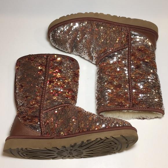 ec1a86bfa12e UGG Classic Short Copper Sequin Boots Size 8. M_5b7f59aa47736882de390b90